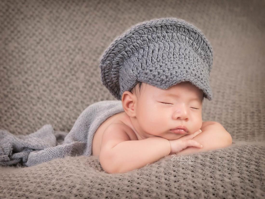 newbornLeo011